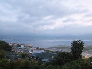 諏訪湖SAから諏訪湖を眺める